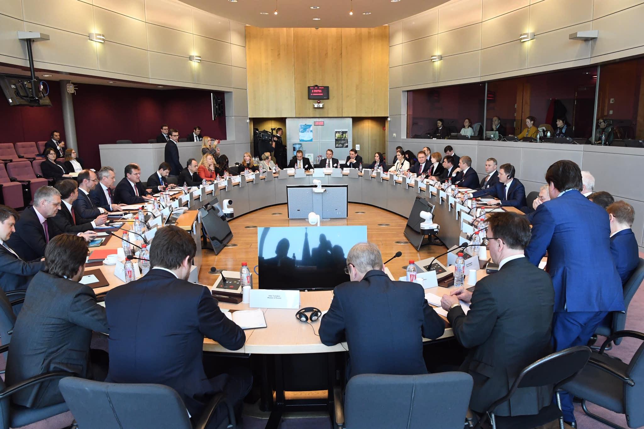 В Брюсселі розпочались тристоронні консультаціїУкраїна-ЄС-РФ