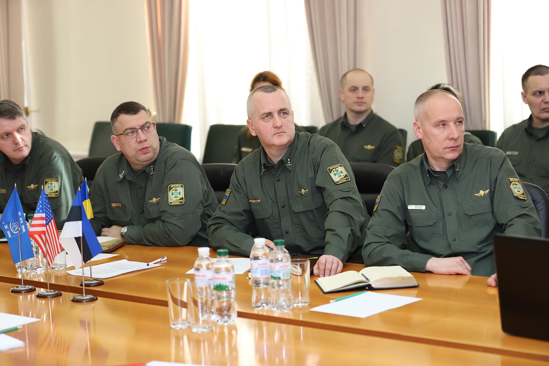 Естонські прикордонники ділилися своїм досвідом в Україні
