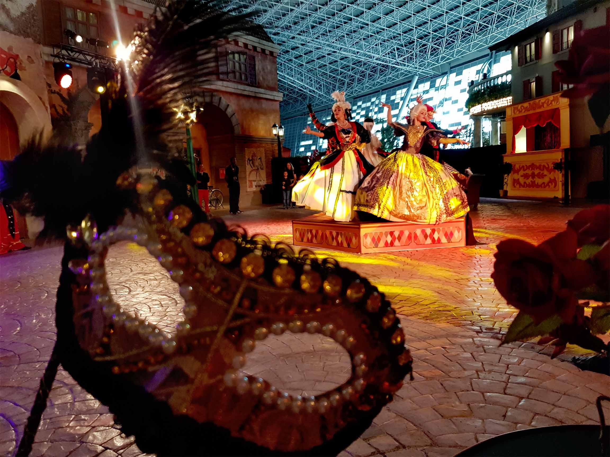 Справжній венеціанський карнавал у Ferrari Park від Олександра Лещенко і театру танцю Foresight
