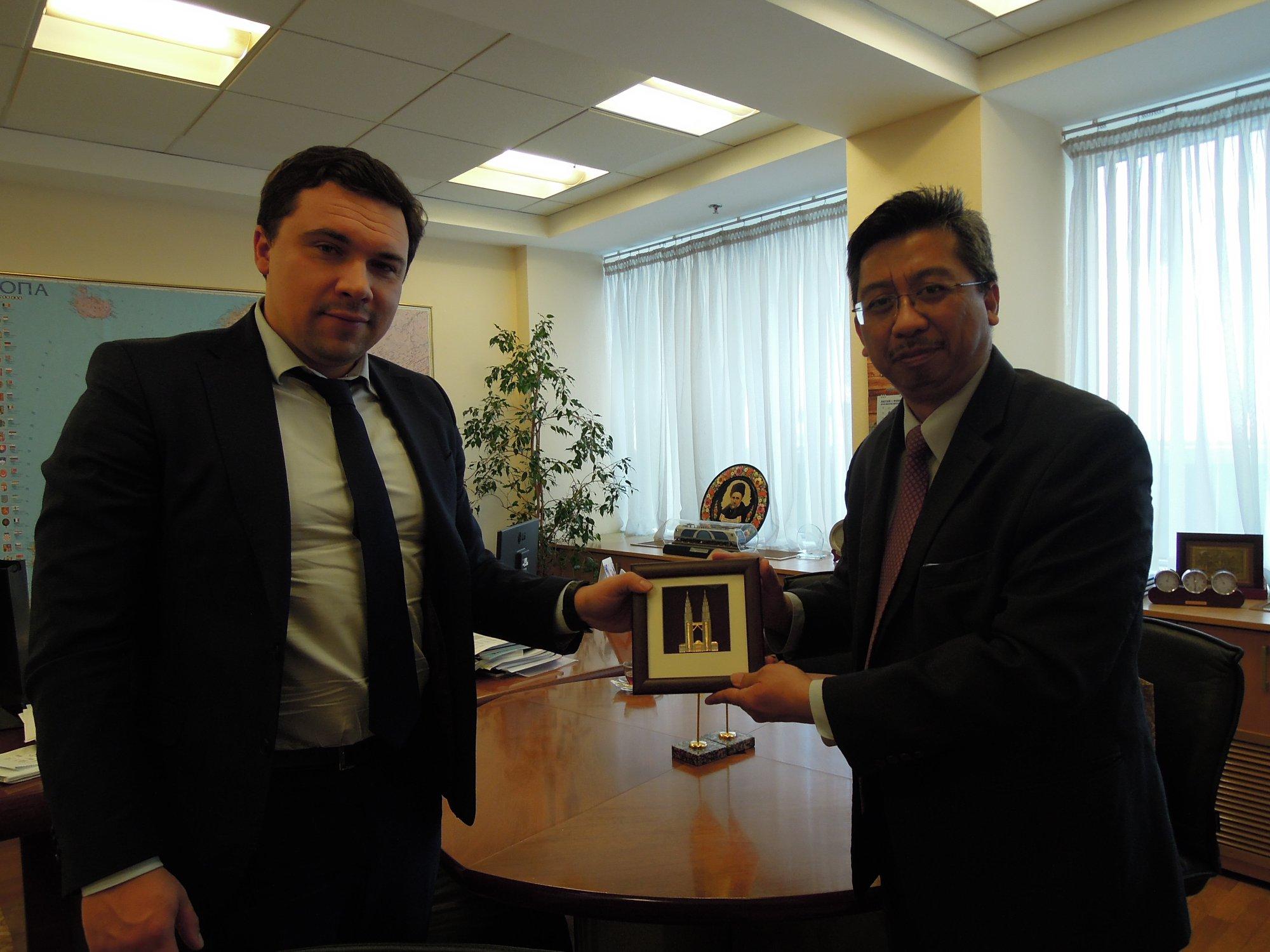 Малайзія розглянула можливості управління аеропортами в Україні
