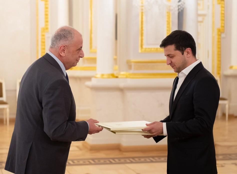 Президент України прийняв вірчі грамоти у низки послів