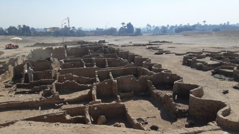 "Discovery of the century: In Egypt, archaeologists have discovered the lost ""Golden City"""