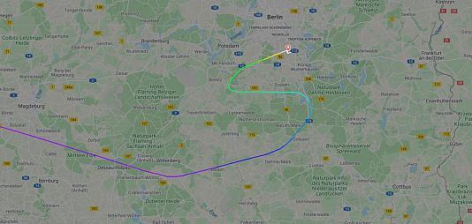 """Ще один """"замінований"""" літак Ryanair екстрено посадили в Європі"""