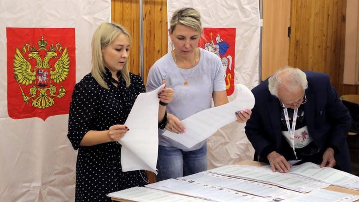 """""""Єдина Росія"""" набирає 38,57% на парламентських виборах в Росії"""