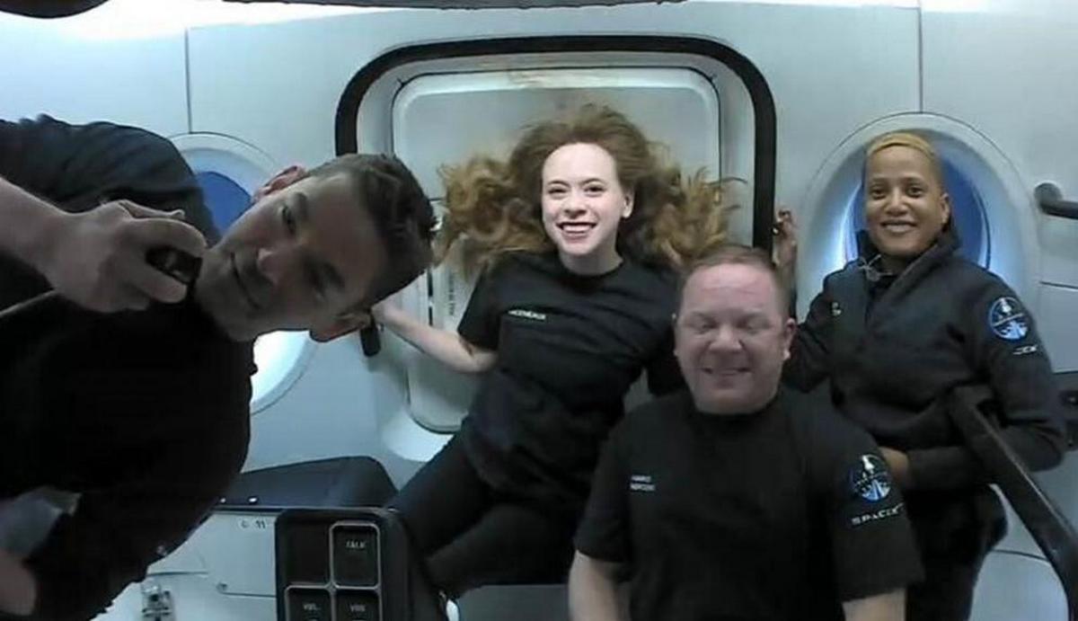Повернення на Землю: космічні туристи приземлилися недалеко від Флориди (ФОТО)
